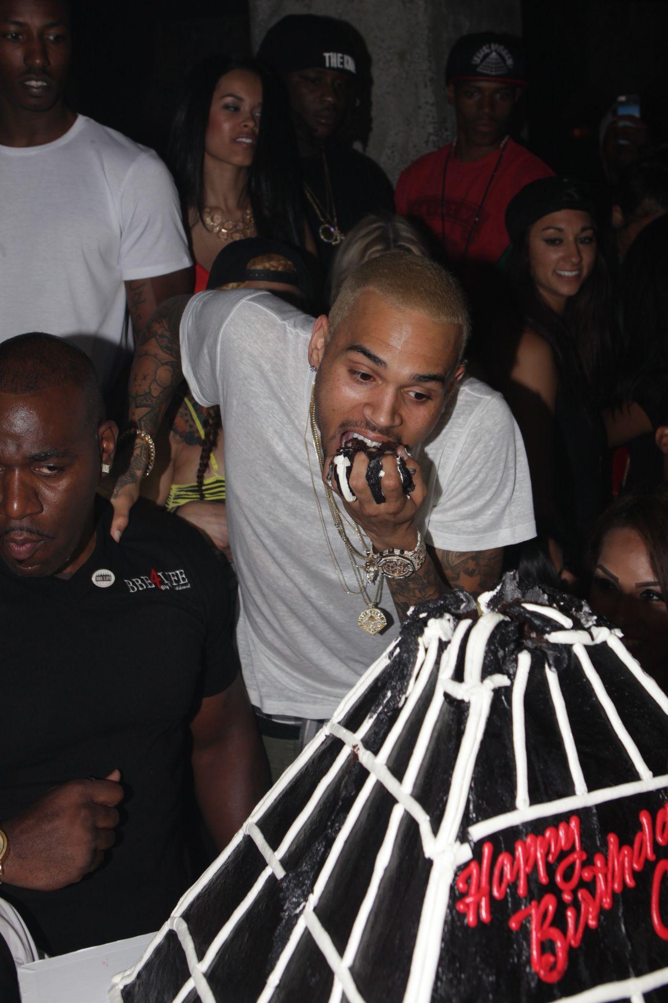 Phenomenal The Source Chris Brown Celebrates Birthday At Emerson Theatre In Personalised Birthday Cards Veneteletsinfo