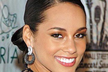 Alicia Keys Low Bun