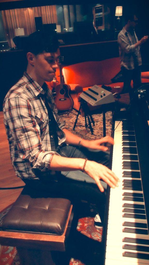 05. Tozer - Piano 1