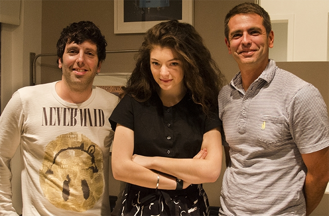 songs lorde signing 650
