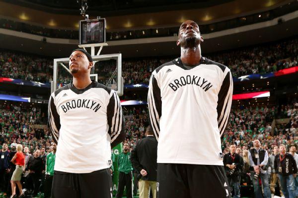 buy online 07c90 aea07 Former Celtics Paul Pierce & Kevin Garnett Honored In Their ...