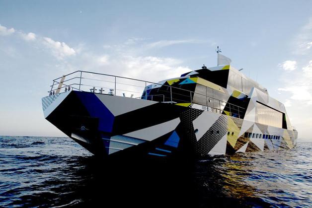 jeffkoonsboat