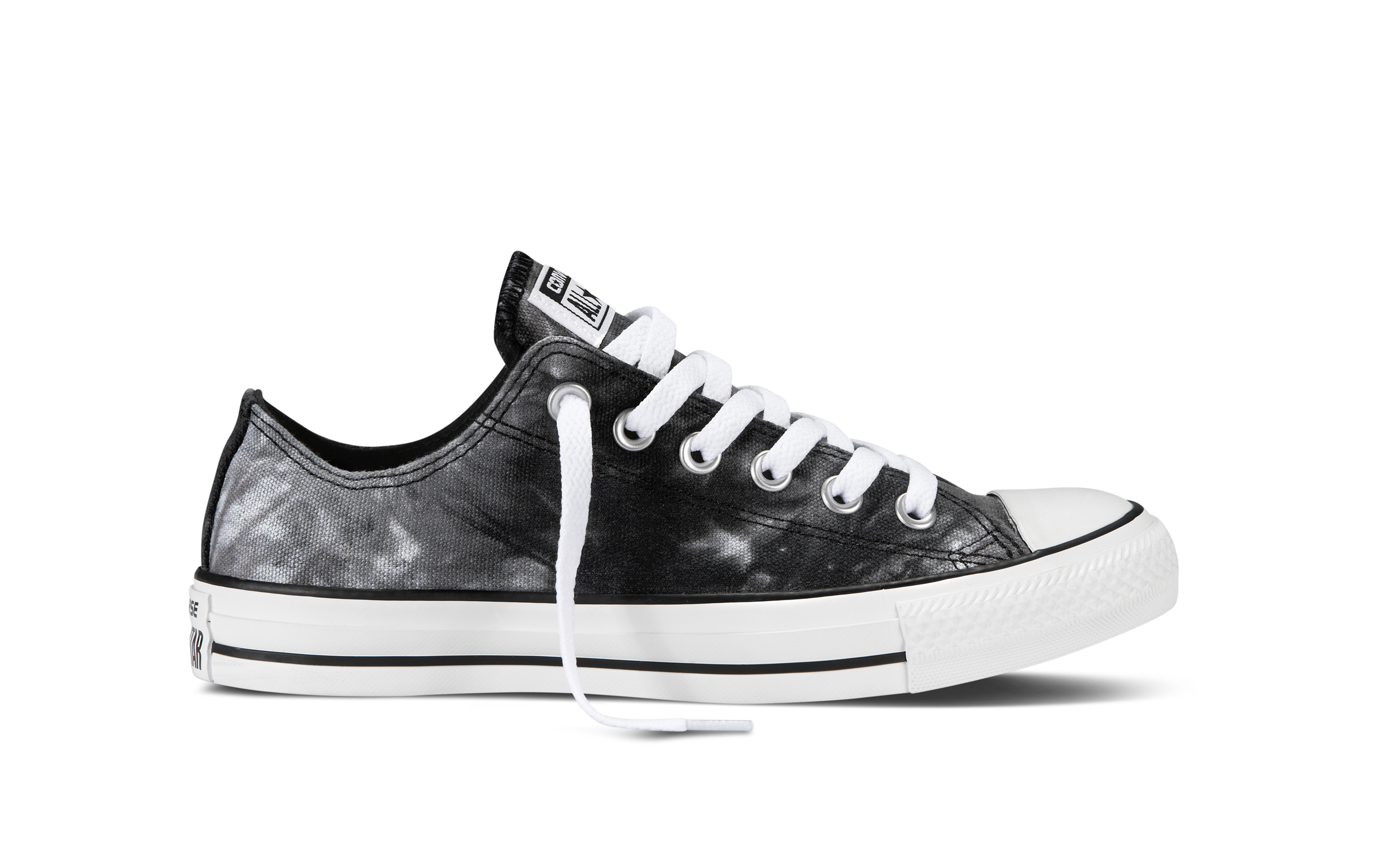 Chuck_Taylor_All_Star_Black_White_1_27619