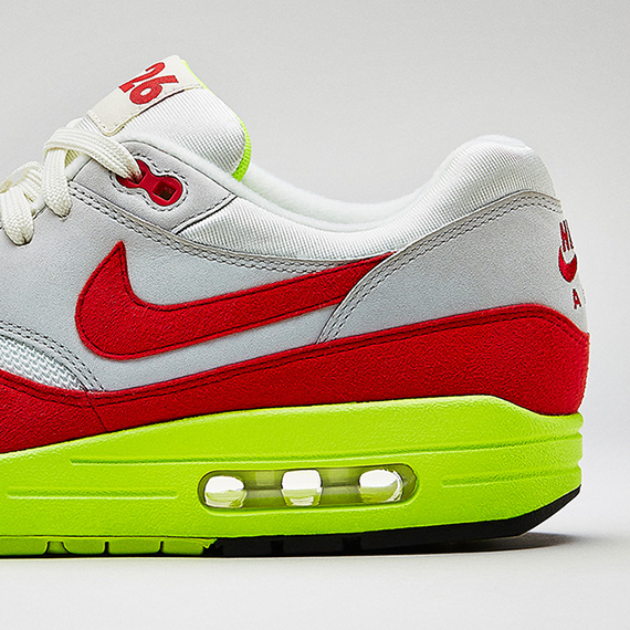 best authentic 8f711 165ce Sneaker Of The Day: Nike Celebrates