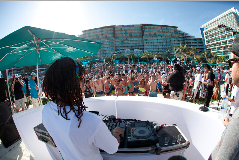 Lil Jon Dj S Hard Rock Hotel Cancun Pool Party The Source