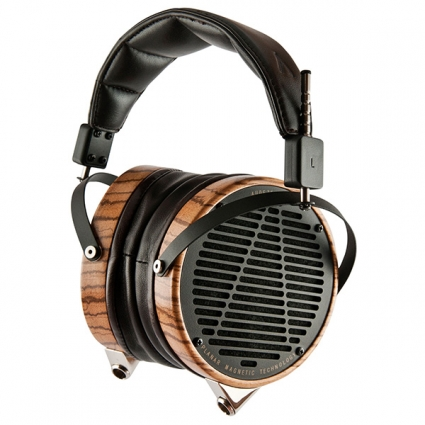 Audeze-LCD3-Zebrawood-Leather-Hanging-02-600x600