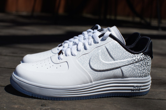 0f3e1c026a Sneaker Of The Day: Nike Lunar Force 1