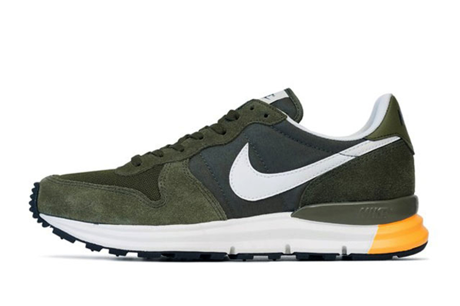 nike lunar internationalist cargo khaki medium olive the. Black Bedroom Furniture Sets. Home Design Ideas
