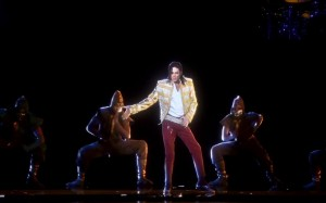 "A Michael Jackson Hologram Performs ""Slave to the Rhythm"" At The 2014 BBMA's"