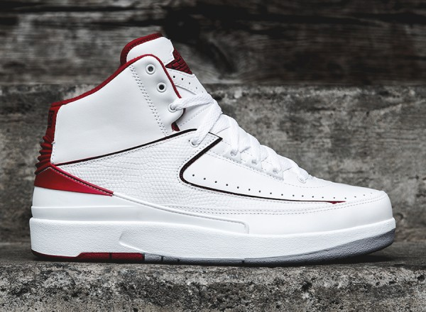 air-jordan-2-retro-white-red-grey-arriving-2