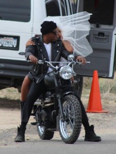 on the run tour, mrs. carter, jays, shawn carter, beyonce, solange knowles, Jay Z Beyonce Run Jake Gylenhall Emmy Rossum Sean Penn Run Trailer Movie Video On The Run