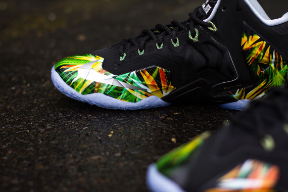 nike-lebron-11-everglades-616175-006-release-reminder-04-570x380