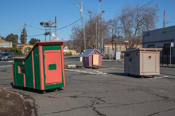 Gregory Kloehn, homeless homes project, homeless, artist, house, charity