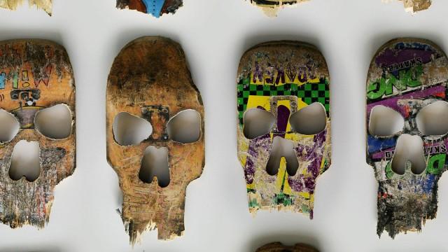 Janz,-Beto-_broken_decks_skulls_5