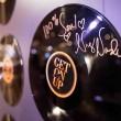 Niecy Nash Record Signature
