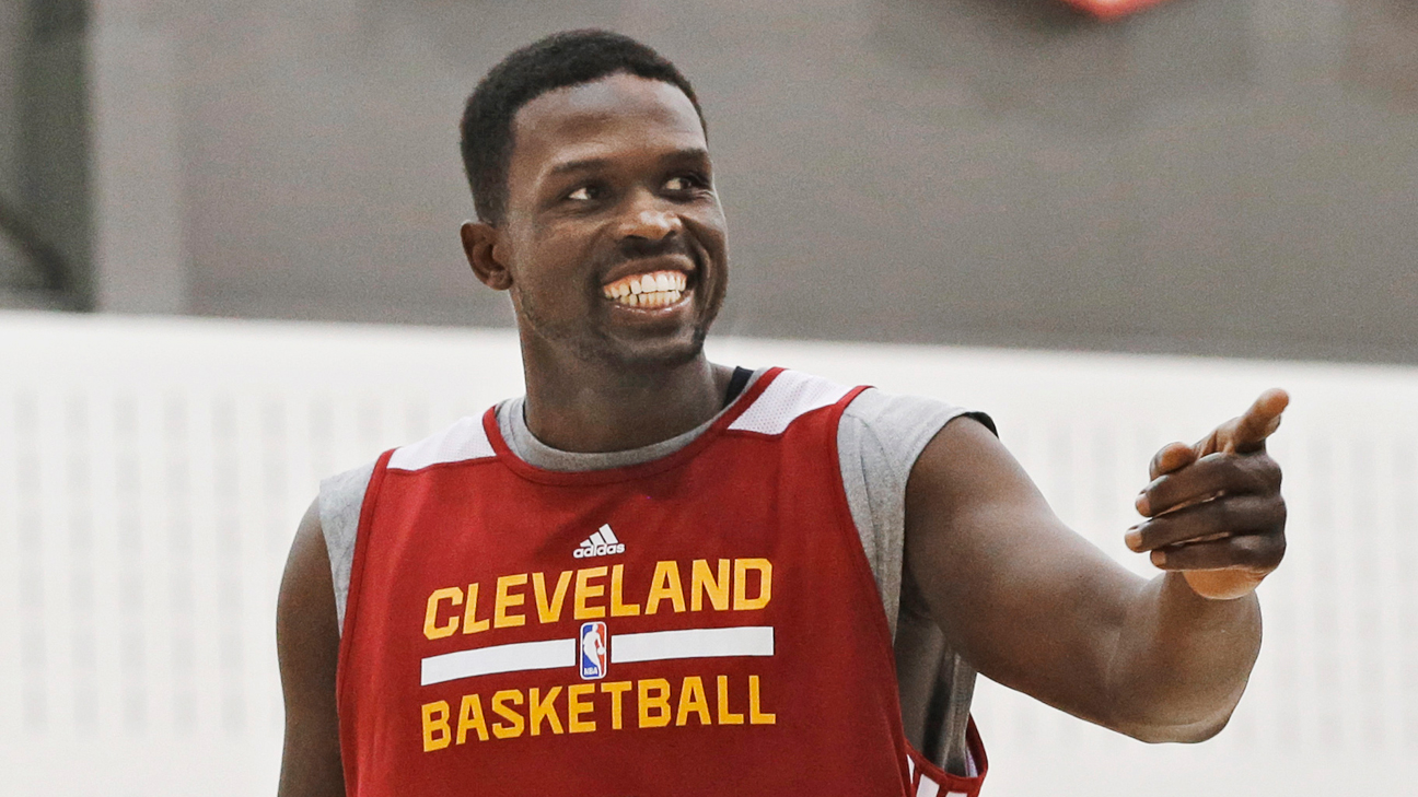 Luol Deng Signs With Miami Heat