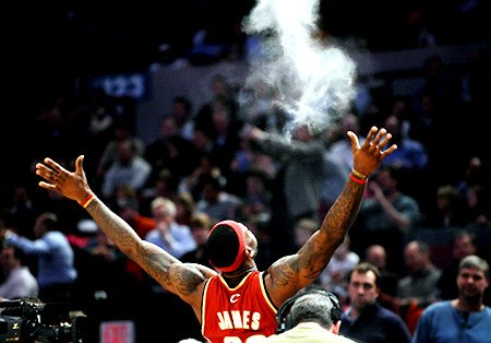 cf3e3c635 Welcome Home  LeBron James Returns to Cleveland Cavaliers