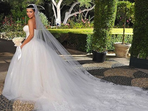 Her Source Here S A Photo Gallery To Celebrate Kanye And Kim 73rd Day Of Marriage