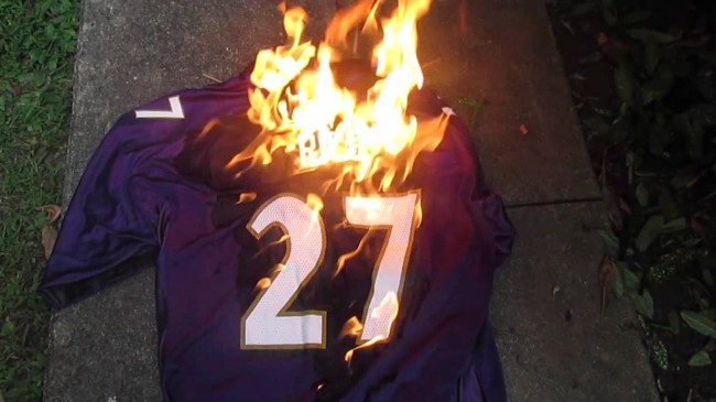 2189171057c Female Baltimore Ravens Fans Are Wearing Ray Rice Jerseys To The Gam  Tonight Because, We Don't Know | The Source