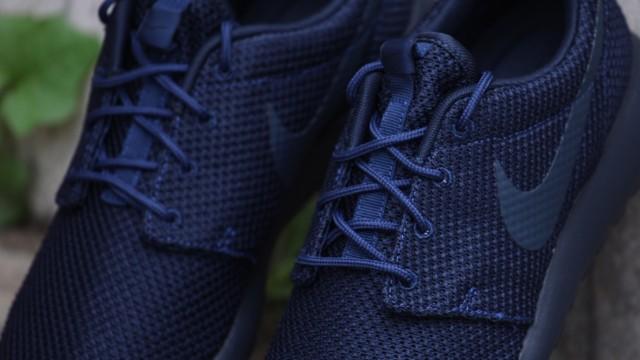 Nike-Rosherun-mdnght-nvy-drk-obsdn-drk-obsdn_b8