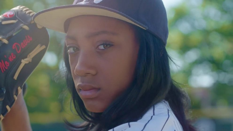 Mone Davis, Softball, SI, New, Sports Kid
