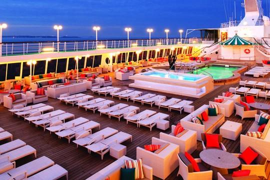 Cruise-pool-lee