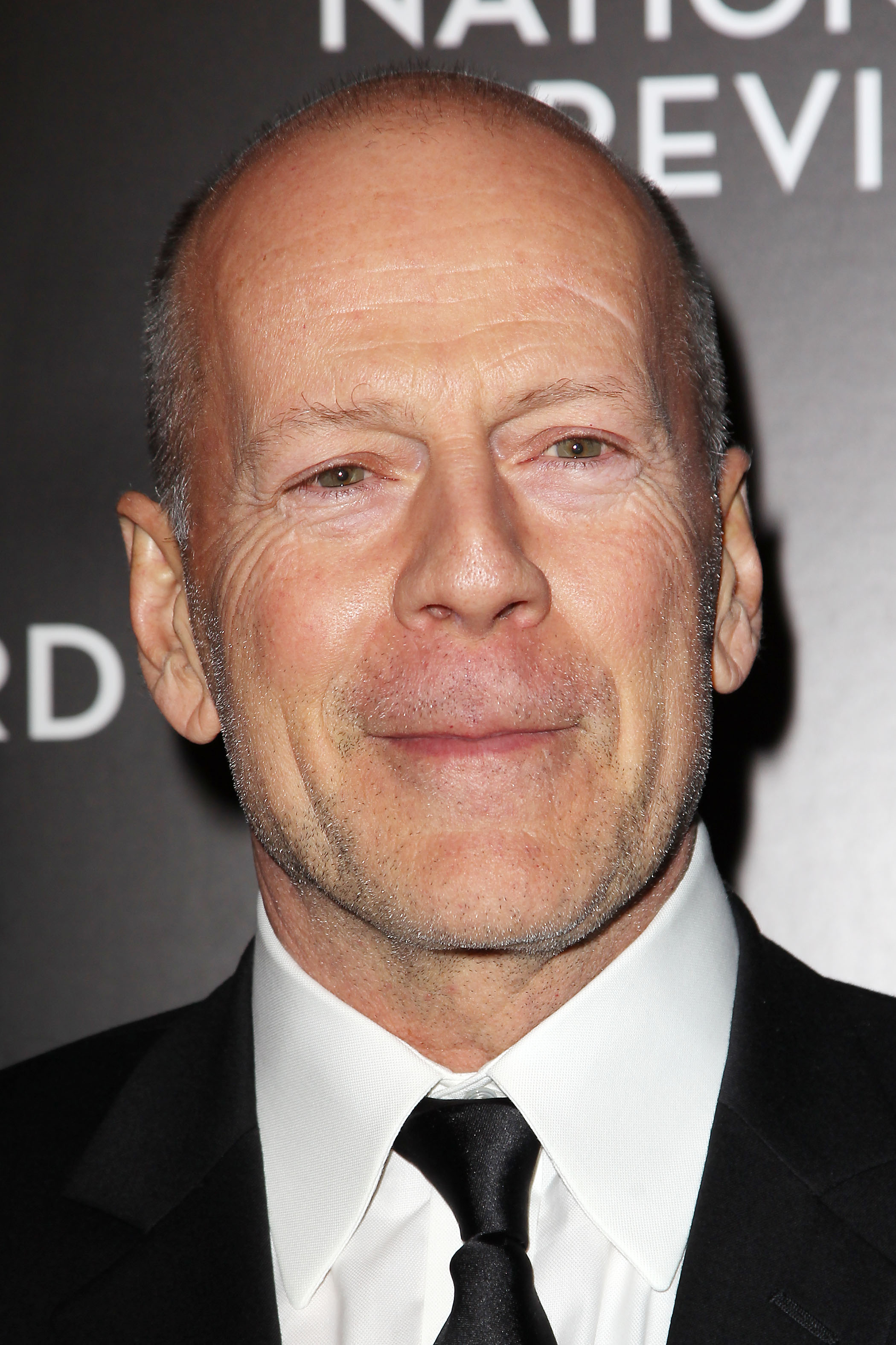 Bruce Willis And Elizabeth Marvel Cast In New Broadway ... Bruce Willis