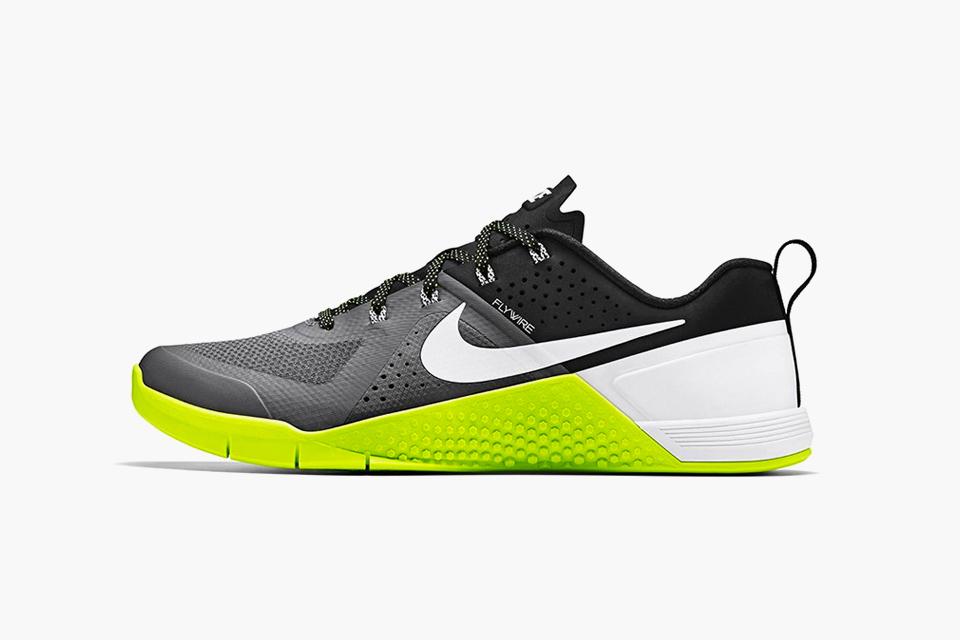 nike metcon  cross training sneaker