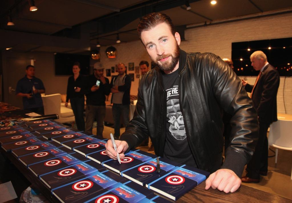 Age of ultron star chris evans treats fans to special meet and unnamed 2 m4hsunfo