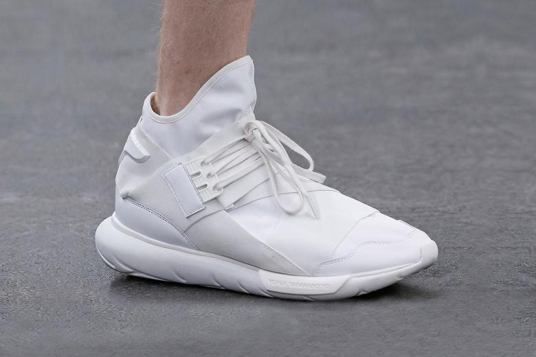 02f2bac58 y-3-2016-spring-summer-footwear-collection-01