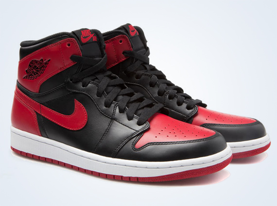The Air Jordan 1  Bred  is Set To Return Next Year  f2d1665ca8dc