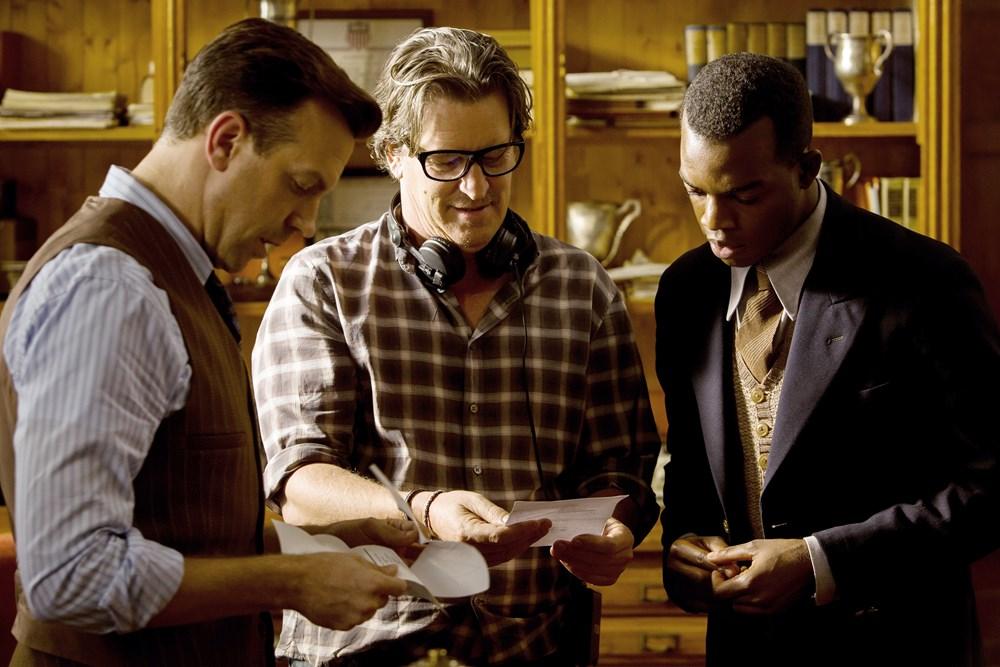 RACE, from left: Jason Sudeikis, director Stephen Hopkins, Stephan James, on set, 2016. ph: Thibault Grabherr/© Focus Features