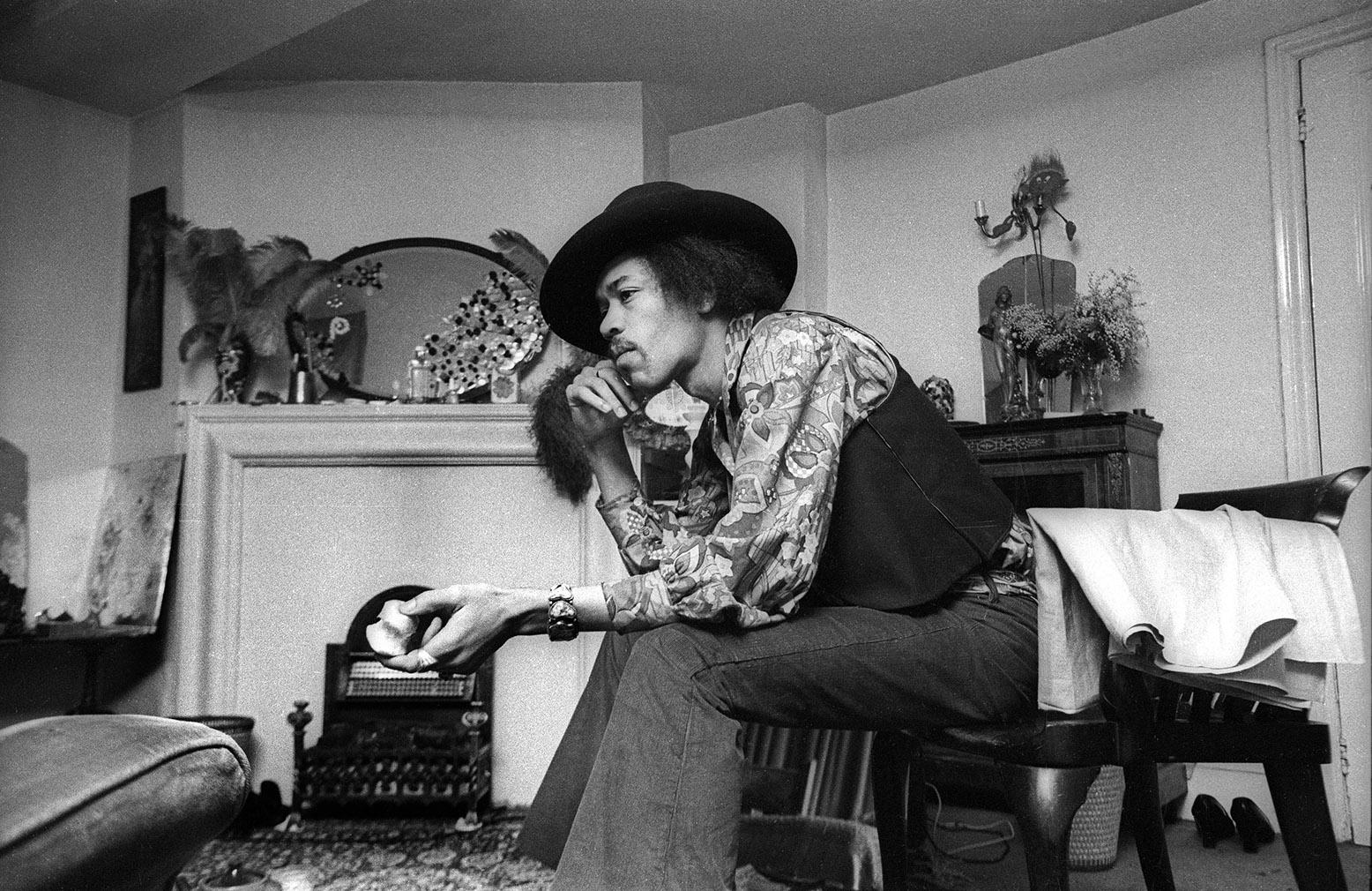 B  Jimi Hendrix at  Brook Street