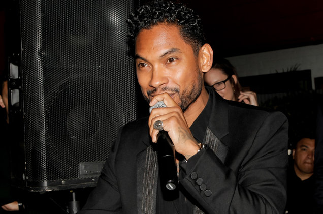 Miguel-dFM-Grammy-2016-billboard-650