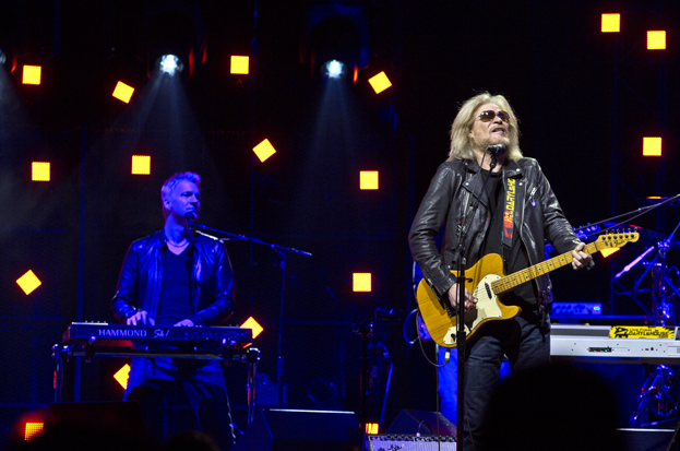 The Legendary Hall And Oates At Madison Square Garden The Source