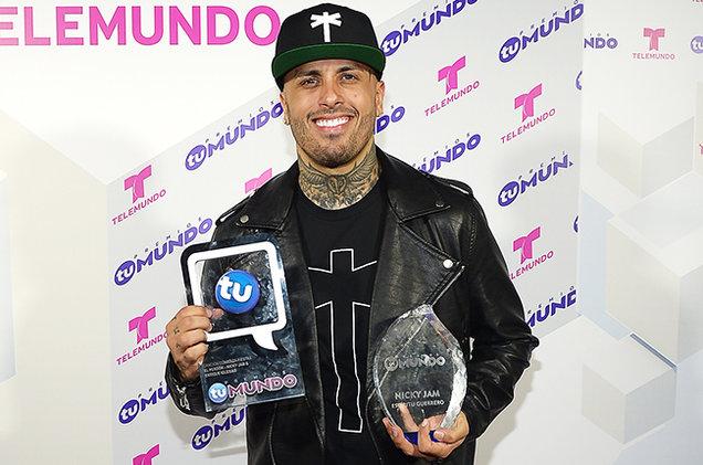 premios-tu-mundo-2015-nicky-jam-billboard-650