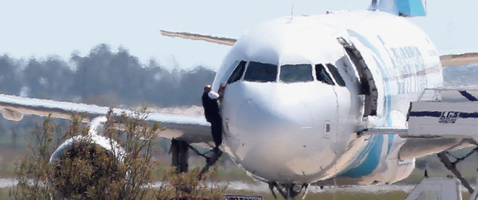 AP_Hijacked_Aircraft5_ml_160329_12x5_1600