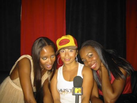 Naomi_and_Serena