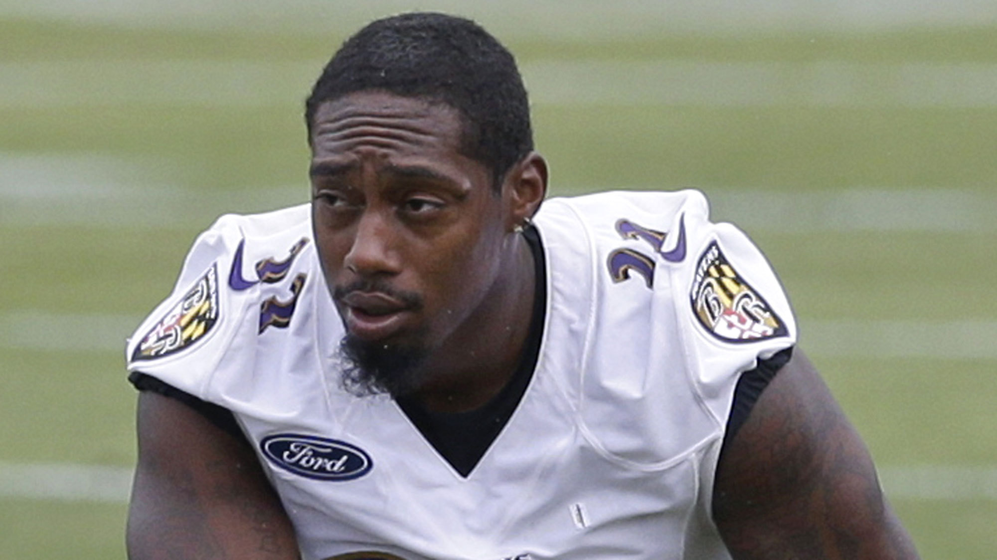 bal-ravens-sign-will-hill-to-twoyear-deal-20150827
