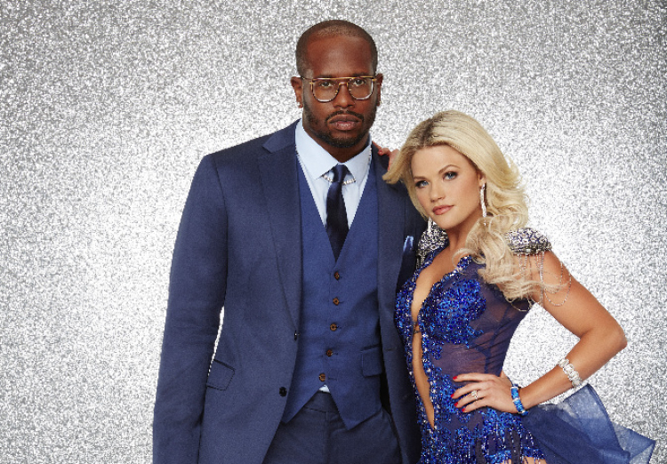 "DANCING WITH THE STARS - VON MILLER AND WITNEY CARSON - The stars grace the ballroom floor for the first time on live national television with their professional partners during the two-hour season premiere of ""Dancing with the Stars,"" which airs MONDAY, MARCH 21 (8:00-10:01 p.m., ET) on the ABC Television Network. (ABC/Craig Sjodin)"