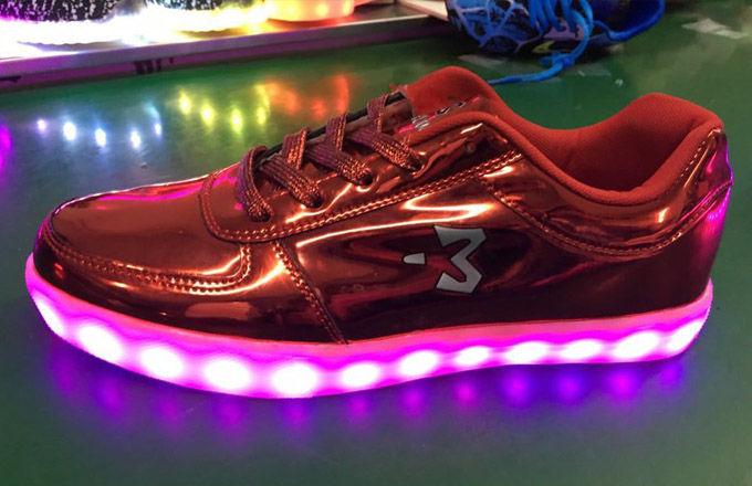 0858006f3776 Stephon Marbury is Selling Light-Up Sneakers