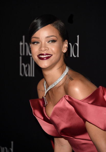 Rihanna+1st+Annual+Diamond+Ball+Benefitting+frAXuwVDWBPl