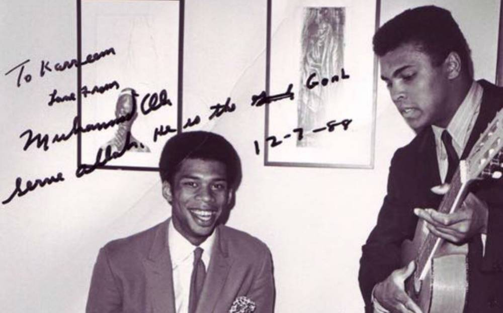life of muhammad ali and his contributions to the sports history