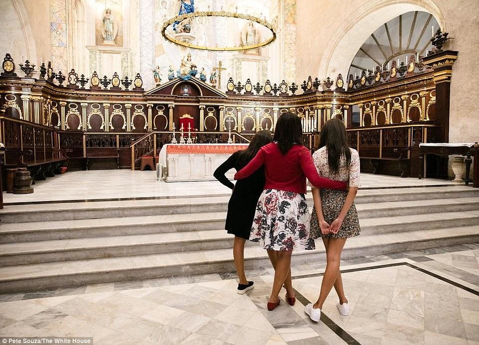 EBFFA   The First Lady with Malia and Sasha at La Catedral de la Virgen a