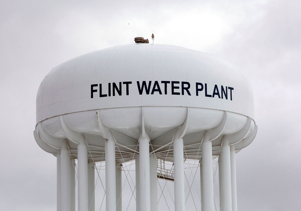 Osnos Crisis in Flint Goes Deeper Than the Water