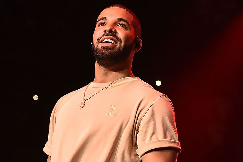 drake-performs-onstage-at-hot-1079-birthday-bash-block-show