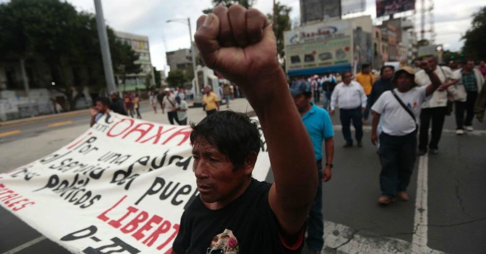 oaxaca protests mex city