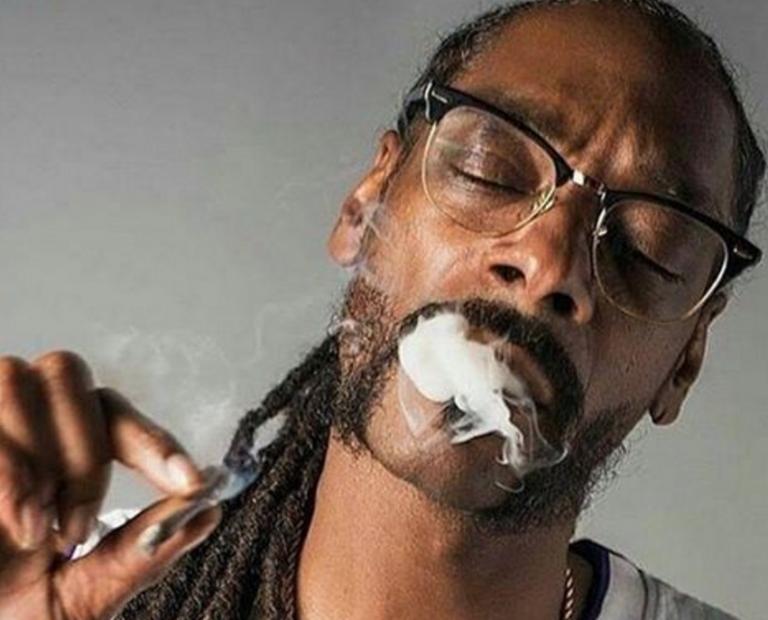 Snoop Dogg Eyes Closed e