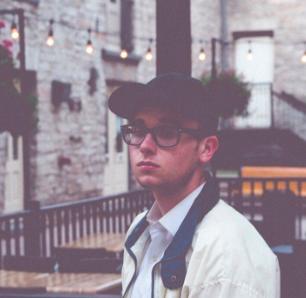 "Toronto Artist Erich Mrak Presents His Visuals For ""Retrospect"""