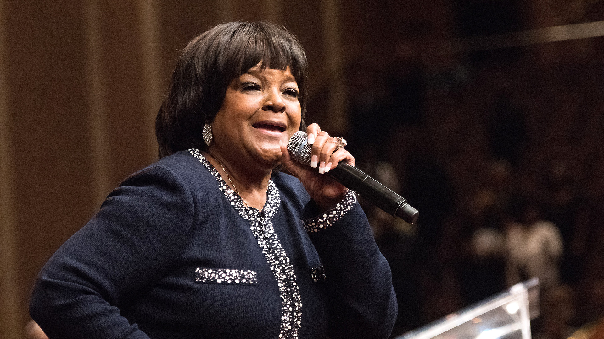 shows breaks shirley caesar unameit